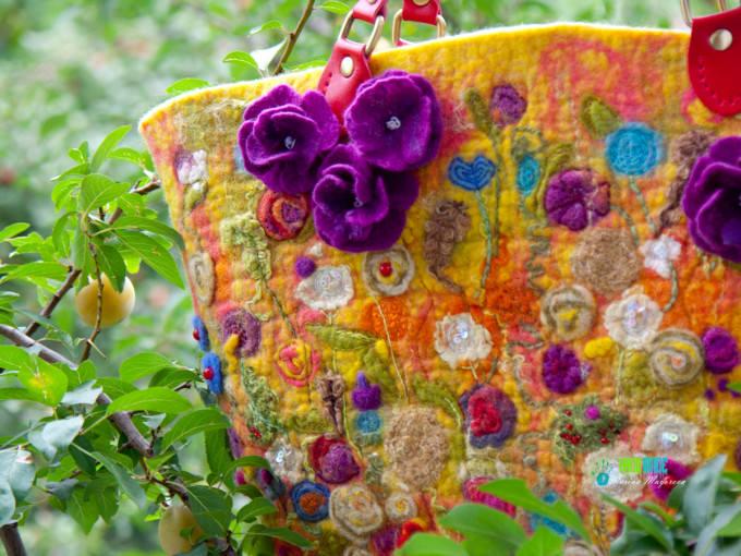 До свиданья, лето, до свидания… сумка полная цветов
