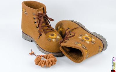Ботинки Масленица внутри