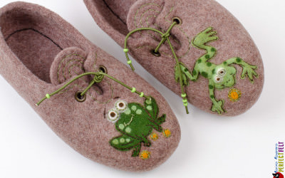 frog_slippers4