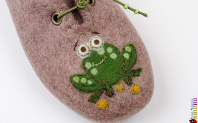 frog_slippers5