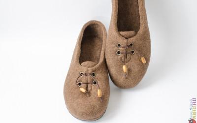 Туфельки из войлока для Гретхен