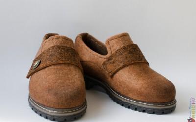 Женские туфли лоферы на каблуке