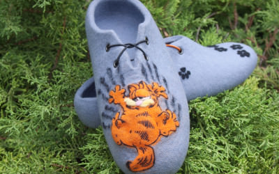 Felted_slippers_Garfield01