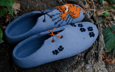 Felted_slippers_Garfield2